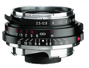 Voigtlander 35mm F2.5 Color Skopar Pancake II Lens (black)